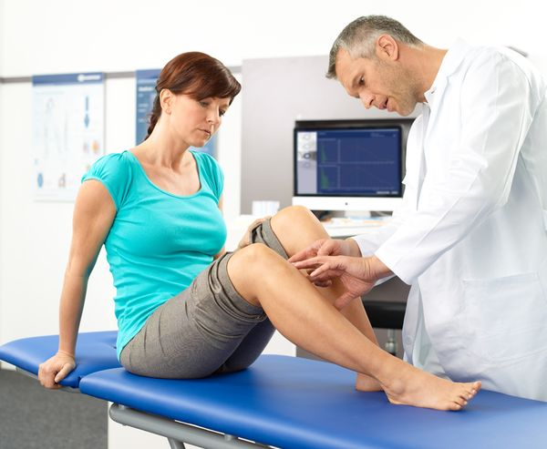 Knee pain has various causes